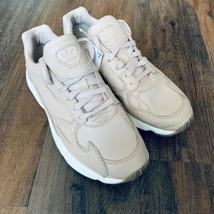 Adidas- Falcon Sneakers